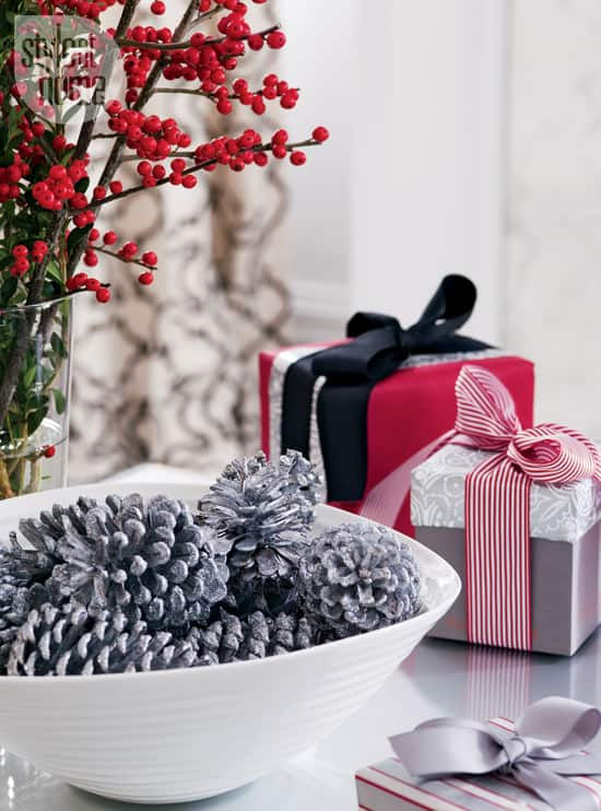 interior-modern-holiday-wrapping.jpg