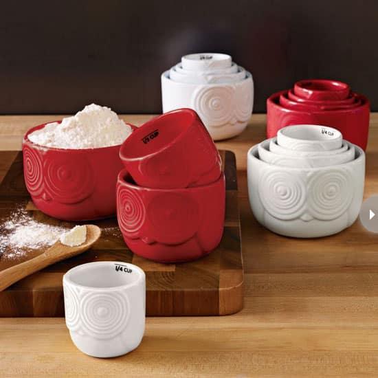 kitchen-accessories-measuringcup.jpg