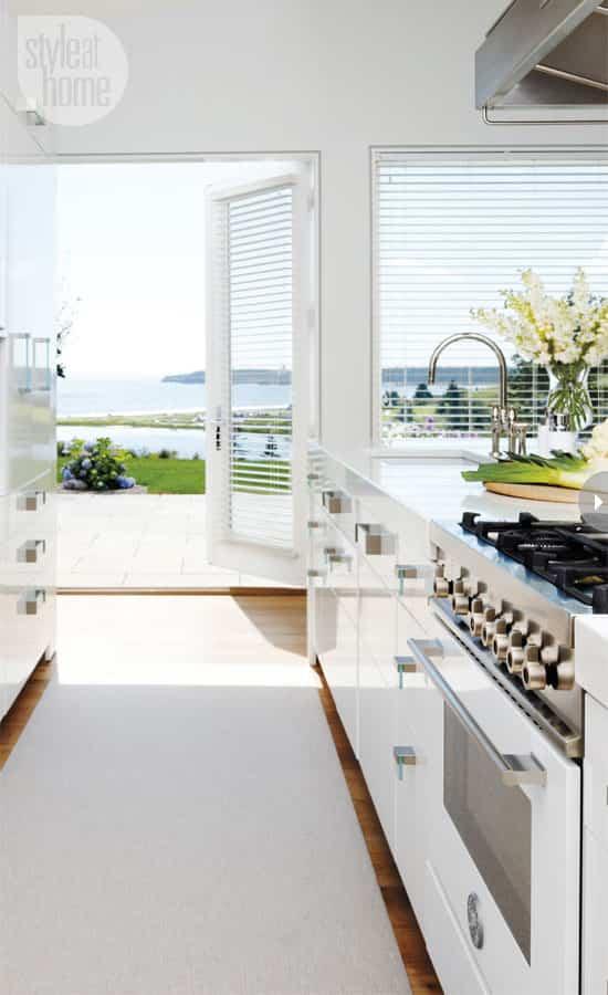 interiors-family-cottage-kitchen.jpg