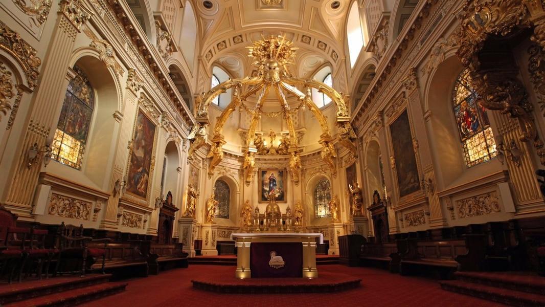 Un million pour la basilique notre dame de qu bec tva for Tva pour la renovation