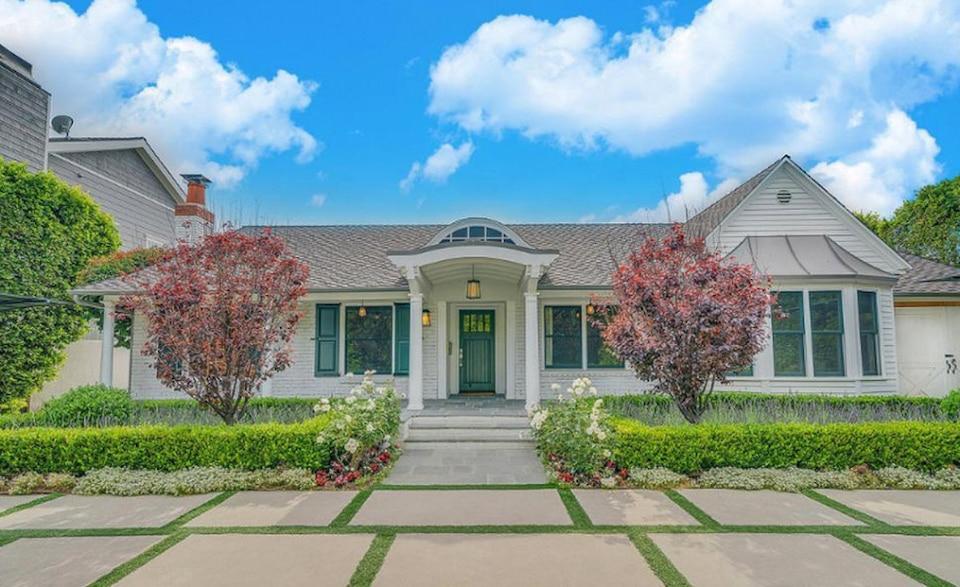 Selena Gomez vend sa maison californienne | TVA Nouvelles