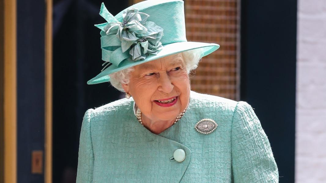 Le fédéral cesse l'envoi des portraits de la reine aux Canadiens