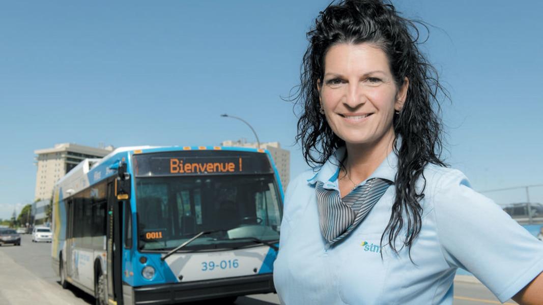 Une Infirmière Auxiliaire Devient Chauffeuse De Bus