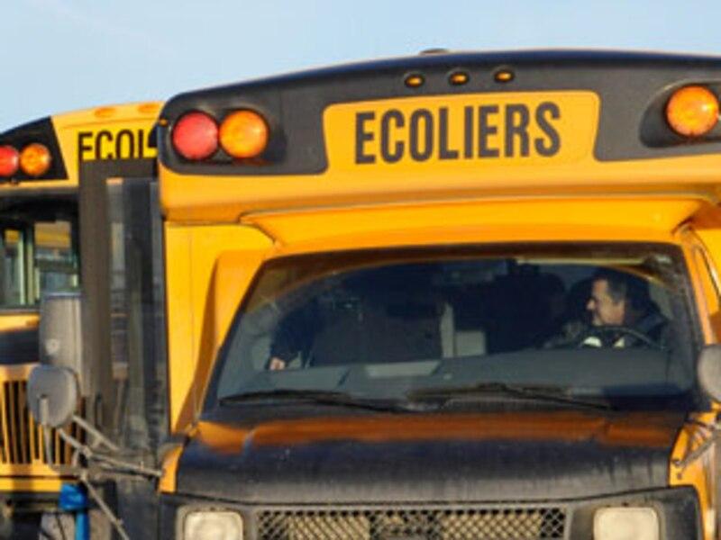 des chauffeurs d 39 autobus acceptent une baisse de salaire. Black Bedroom Furniture Sets. Home Design Ideas