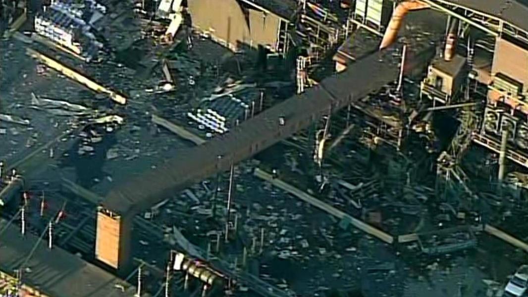 Explosion l 39 usine de rio tinto tva nouvelles for Porte fenetre boulet sorel tracy