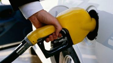 Le litre d'essence à son plus bas en 7 ans