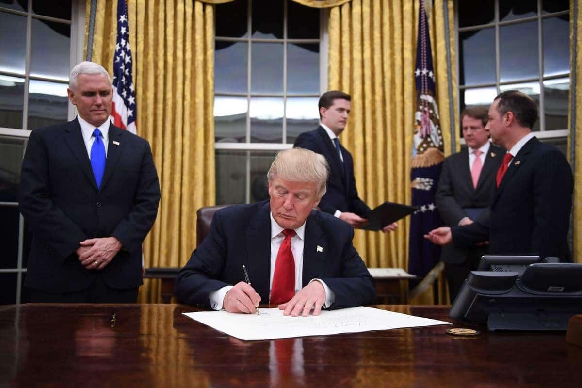 Replique bureau resolute desk en acajou massif obama bureau ovale