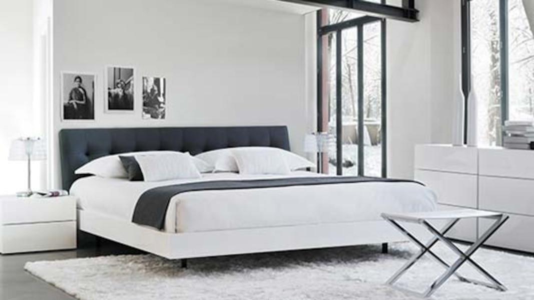 La maison corbeil et la galerie du meuble en ontario tva for La galerie du meuble