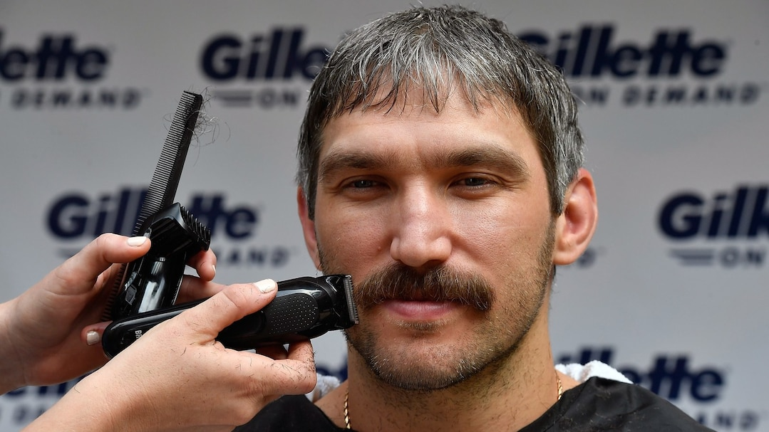 "US-WORLD-CHAMPION-HOCKEY-STAR-ALEX-OVECHKIN-SHAVES-HIS-""PLAYOFF-"