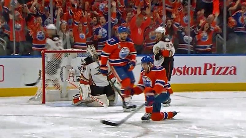 Des Oilers déchaînés en 1re!