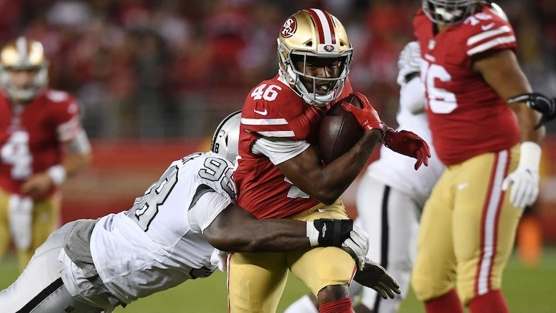 Les 49ers dominent les Raiders