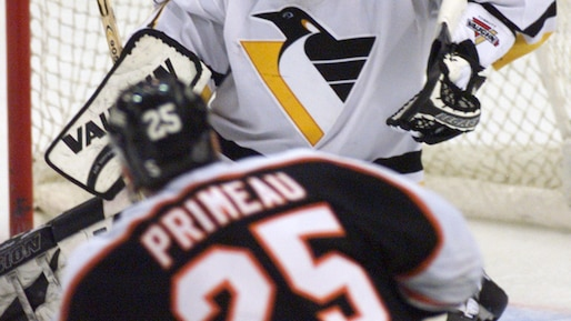 PHILADELPHIAS PRIMEAU SCORES WINNING GOAL AGAINST PENGUINS