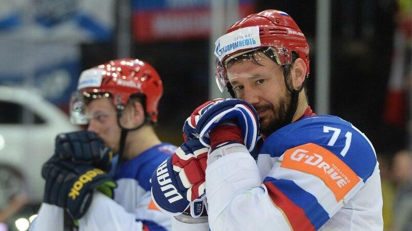 Ilya Kovalchuk contemplerait deux destinations