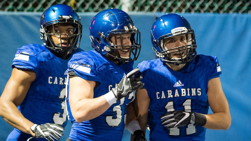 SPO-CARABINS-FOOTBALL