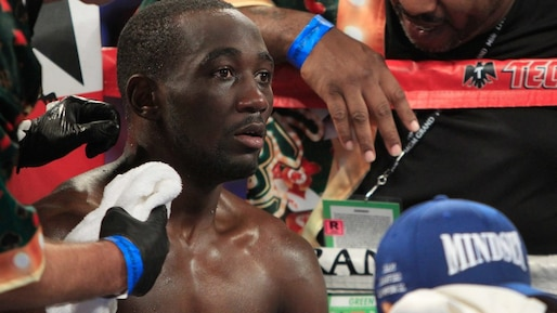 Terence Crawford laisse tomber une ceinture