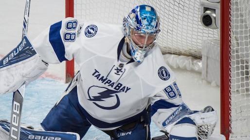 Andrei Vasilevskiy s'occupe des Blues