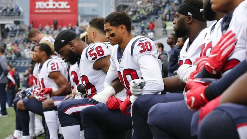Les joueurs de la NFL qui boycottent l'hymne national «ne devraient pas être dans le pays» selon Donald Trump