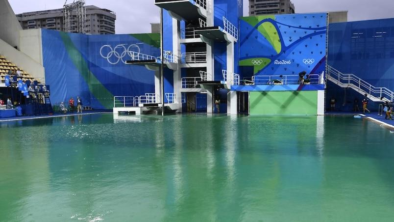 La piscine à l'eau verte sera vidée