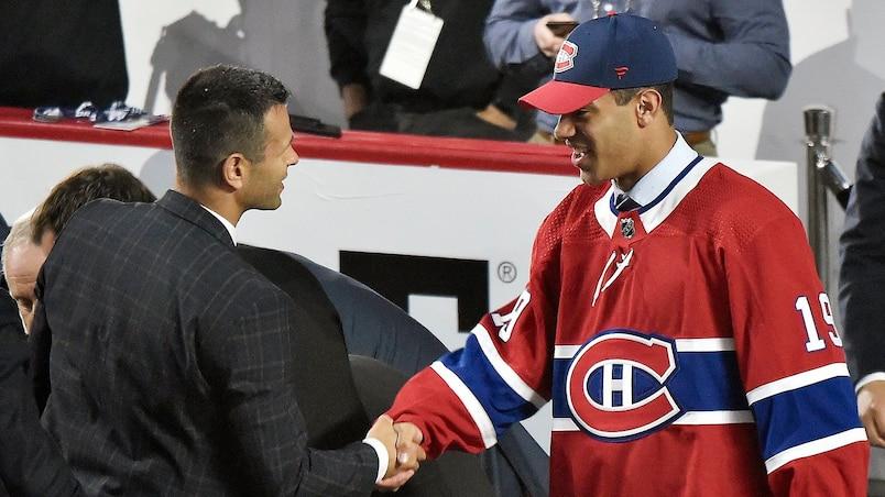 Un espoir du Canadien convertit sa famille partisane des Bruins
