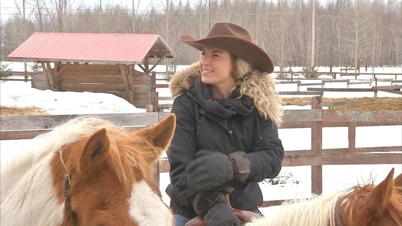 Kim Clavel et sa passion pour les chevaux