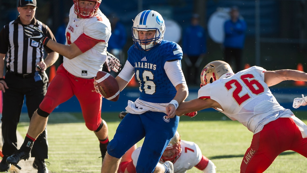 SPO-CARABINS-ROUGE-OR-FOOTBALL