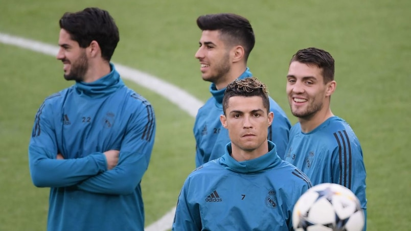FBL-EUR-C1-REAL-MADRID-TRAINING