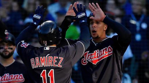 Les Indians dominent les Cubs