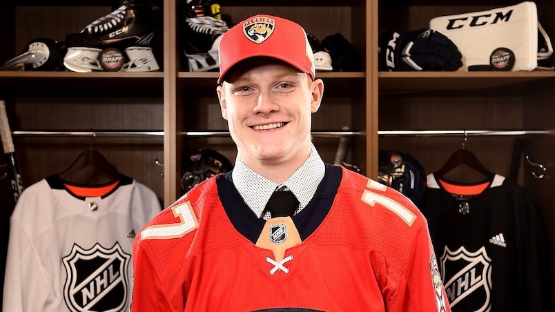 CHICAGO, IL - JUNE 23: Owen Tippett poses for a portrait after being selected tenth overall by the Florida Panthers during the 2017 NHL Draft at the United Center on June 23, 2017 in Chicago, Illinois. Stacy Revere/Getty Images/AFP == FOR NEWSPAPERS, INTERNET, TELCOS & TELEVISION USE ONLY ==