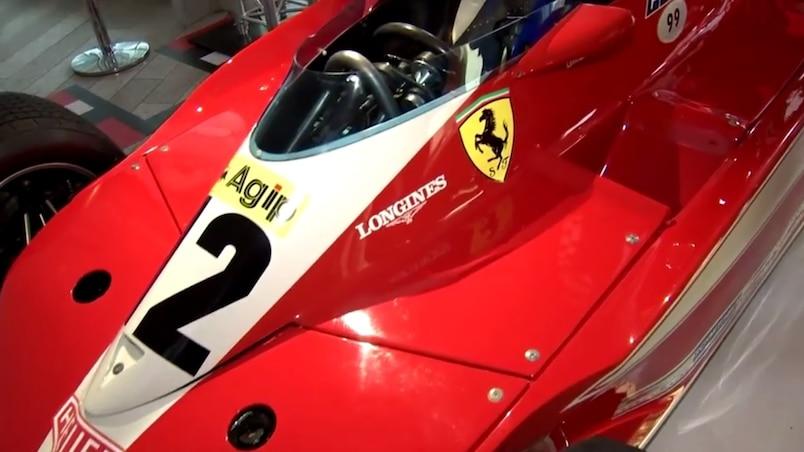 Christian Tortora ému de revoir l'ancien bolide de Gilles Villeneuve
