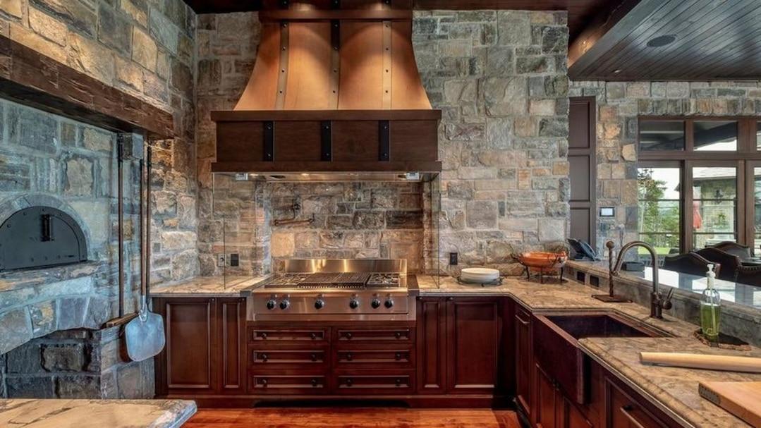 le manoir de mario lemieux vendre mont tremblant tva. Black Bedroom Furniture Sets. Home Design Ideas