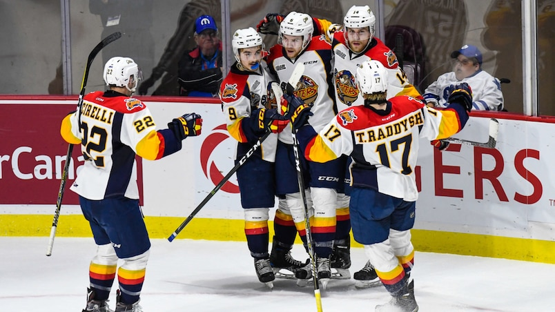 Coupe Memorial: les Otters triomphent des Thunderbirds