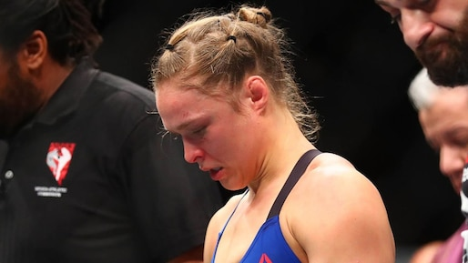 Rousey brise le silence