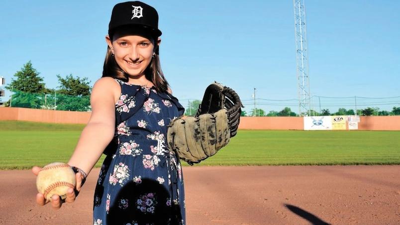Une Québécoise de 12 ans chante l'hymne national à Detroit
