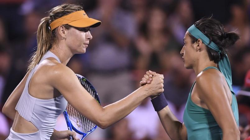 Maria Sharapova félicite Caroline Garcia.