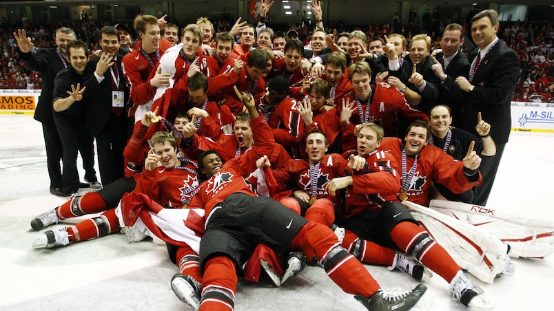 2008 Team Canada celebrates after their overtime win over Sweden in Pardubice
