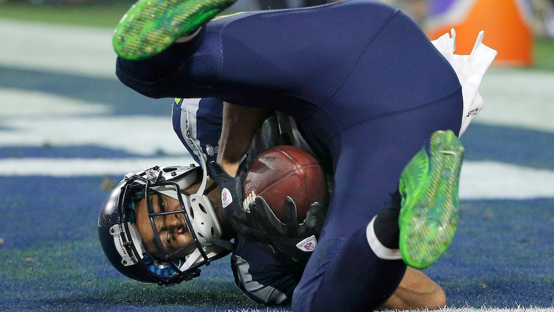 Seattle Seahawks wide receiver Doug Baldwin catches a third quarter touchdown pass against the New England Patriots during the NFL Super Bowl XLIX football game in Glendale