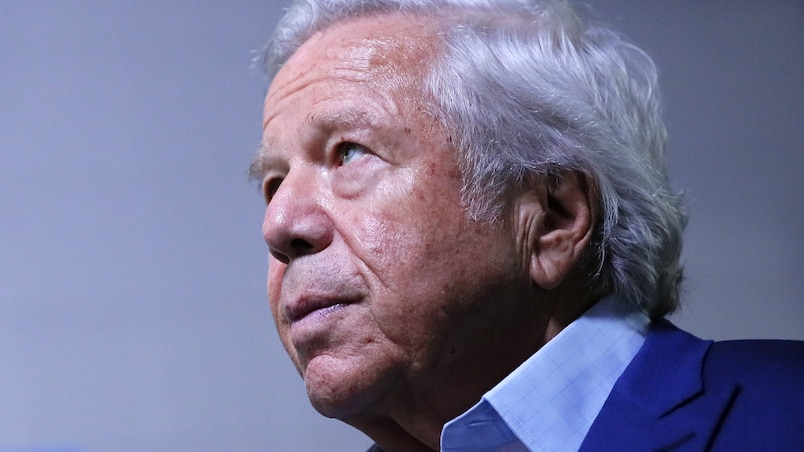 Robert Kraft sort de son mutisme