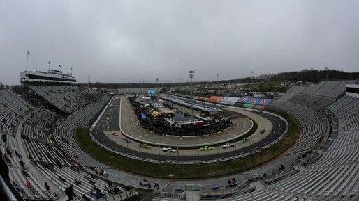 NASCAR: la course reportée à lundi