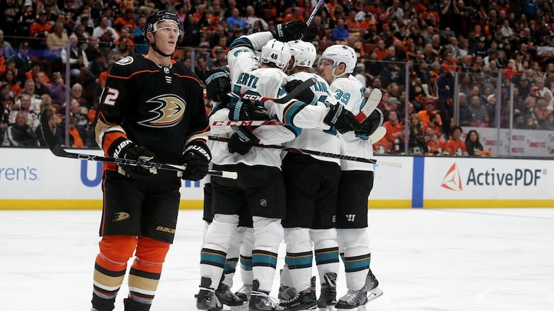HKO-HKN-SPO-SAN-JOSE-SHARKS-V-ANAHEIM-DUCKS---GAME-ONE
