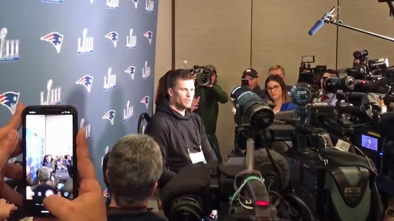 La folie au point de presse de Tom Brady!