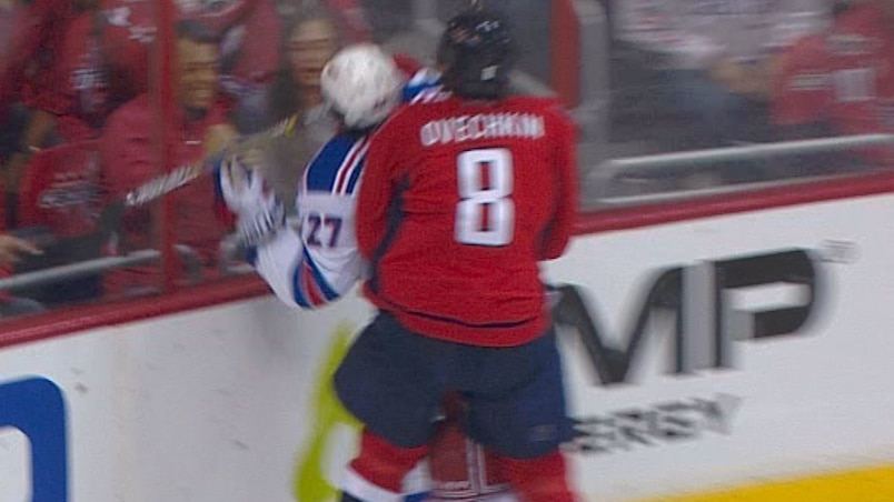 McDonagh rencontre le train Ovechkin