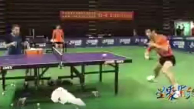 Entraînement démentiel au ping-pong