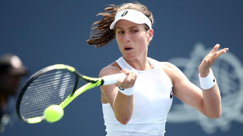 Johanna Konta montre la sortie à Jelena Ostapenko