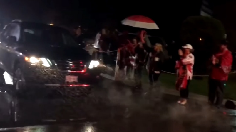 Les partisans des Sénateurs bravent la pluie!