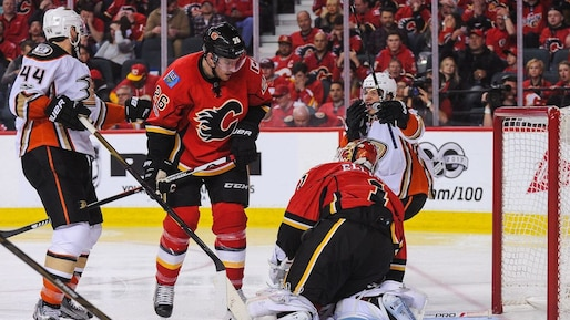 HKO-HKN-SPO-ANAHEIM-DUCKS-V-CALGARY-FLAMES---GAME-THREE