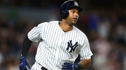 Aaron Hicks tombe au combat
