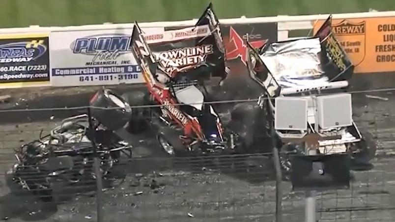 Trois pilotes l'ont échappé belle à Knoxville!