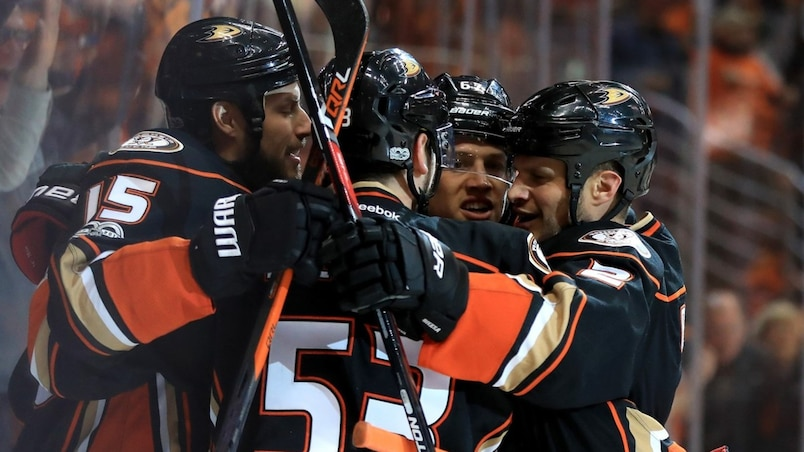 Calgary Flames v Anaheim Ducks - Game Two