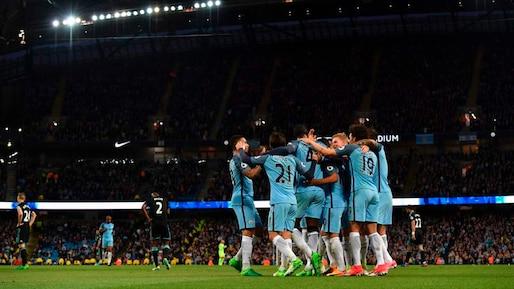 Manchester City et Arsenal entretiennent le suspense