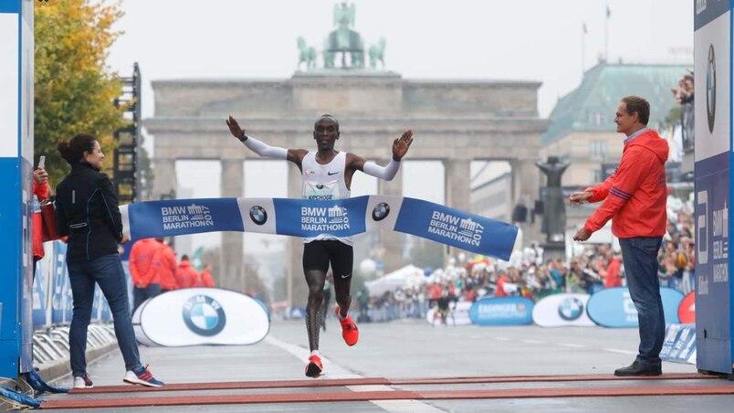 Eliud Kipchoge remporte le marathon de Berlin